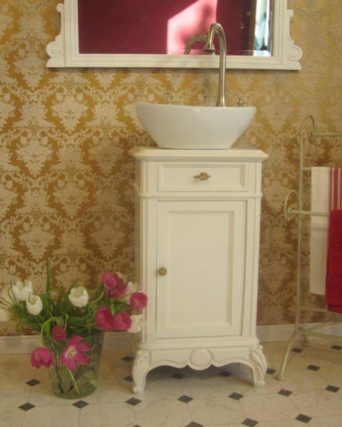 Satin-Lady-Waschtisch romantisch