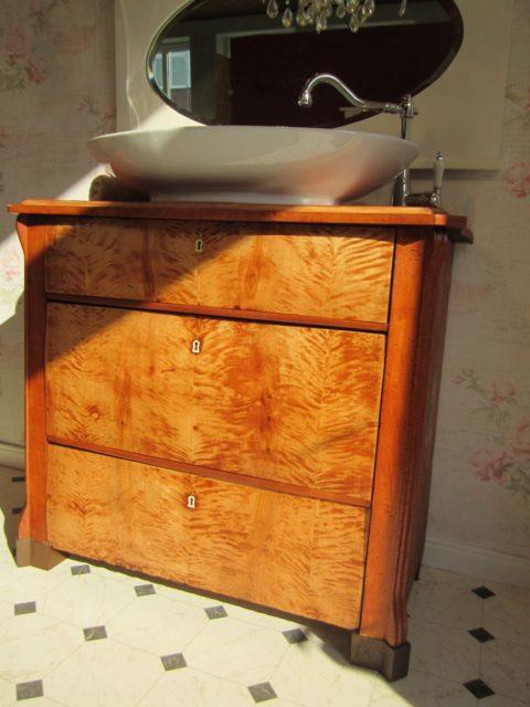 Flammender-Stern-Badmöbel Landhausstil Holz