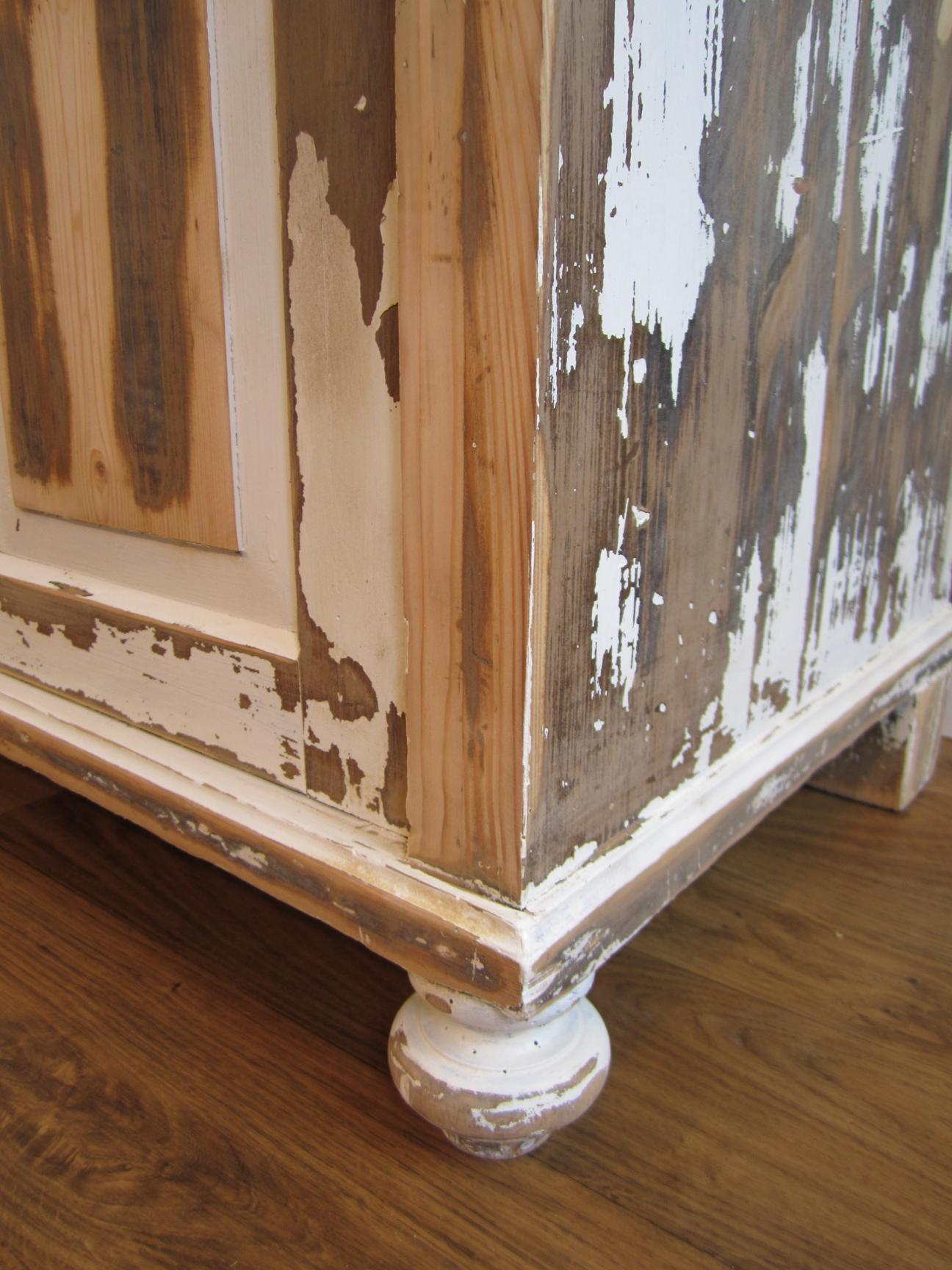 sch ner waschtisch shabby chic landhaus look mal l ssig und individuell. Black Bedroom Furniture Sets. Home Design Ideas