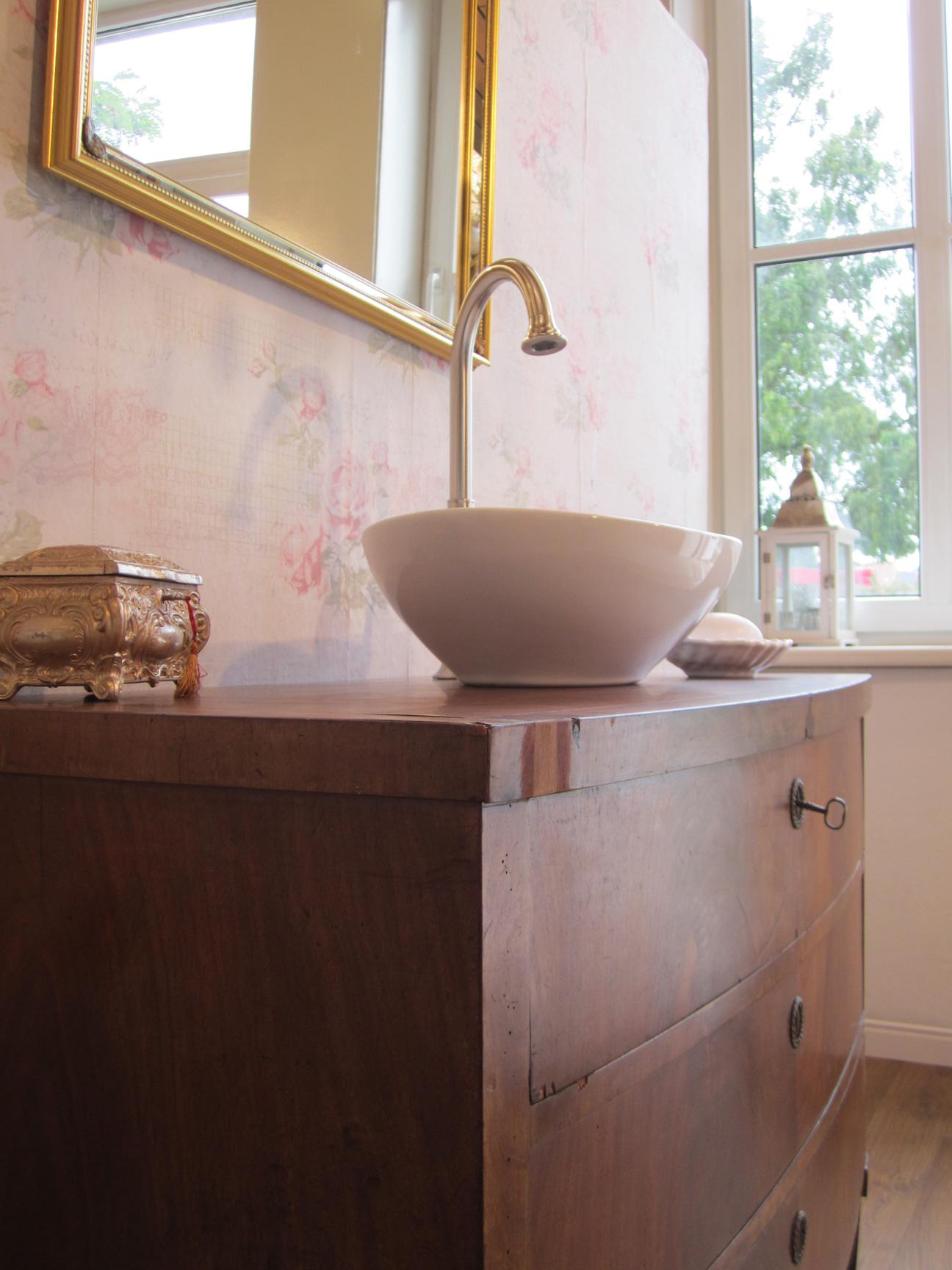 Englische Waschbecken waschtisch antik in neuem look für das besondere bad mit wohlfühlfaktor
