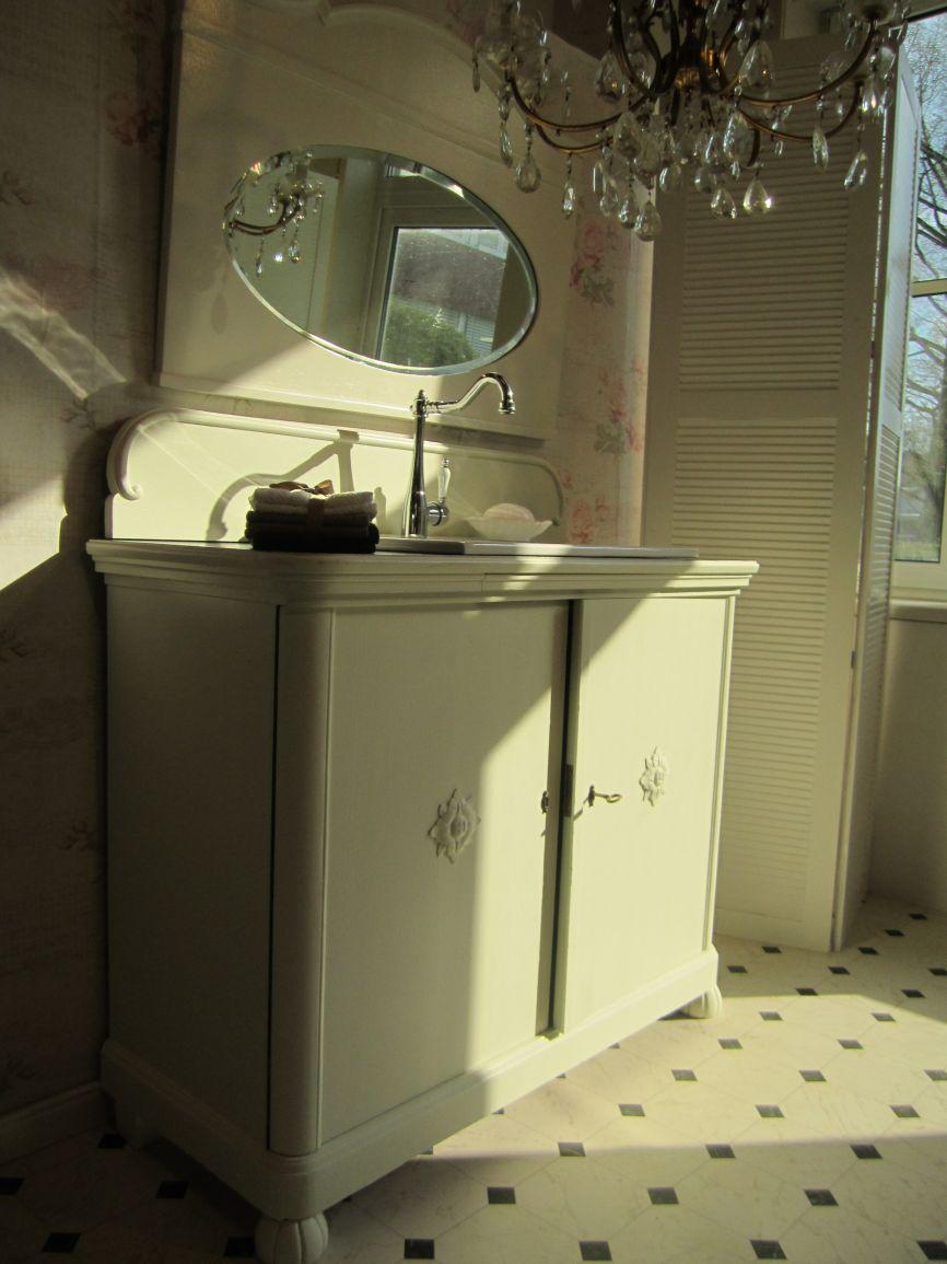 badm bel landhaus in verschiedenen stilrichtungen wasserheimat. Black Bedroom Furniture Sets. Home Design Ideas