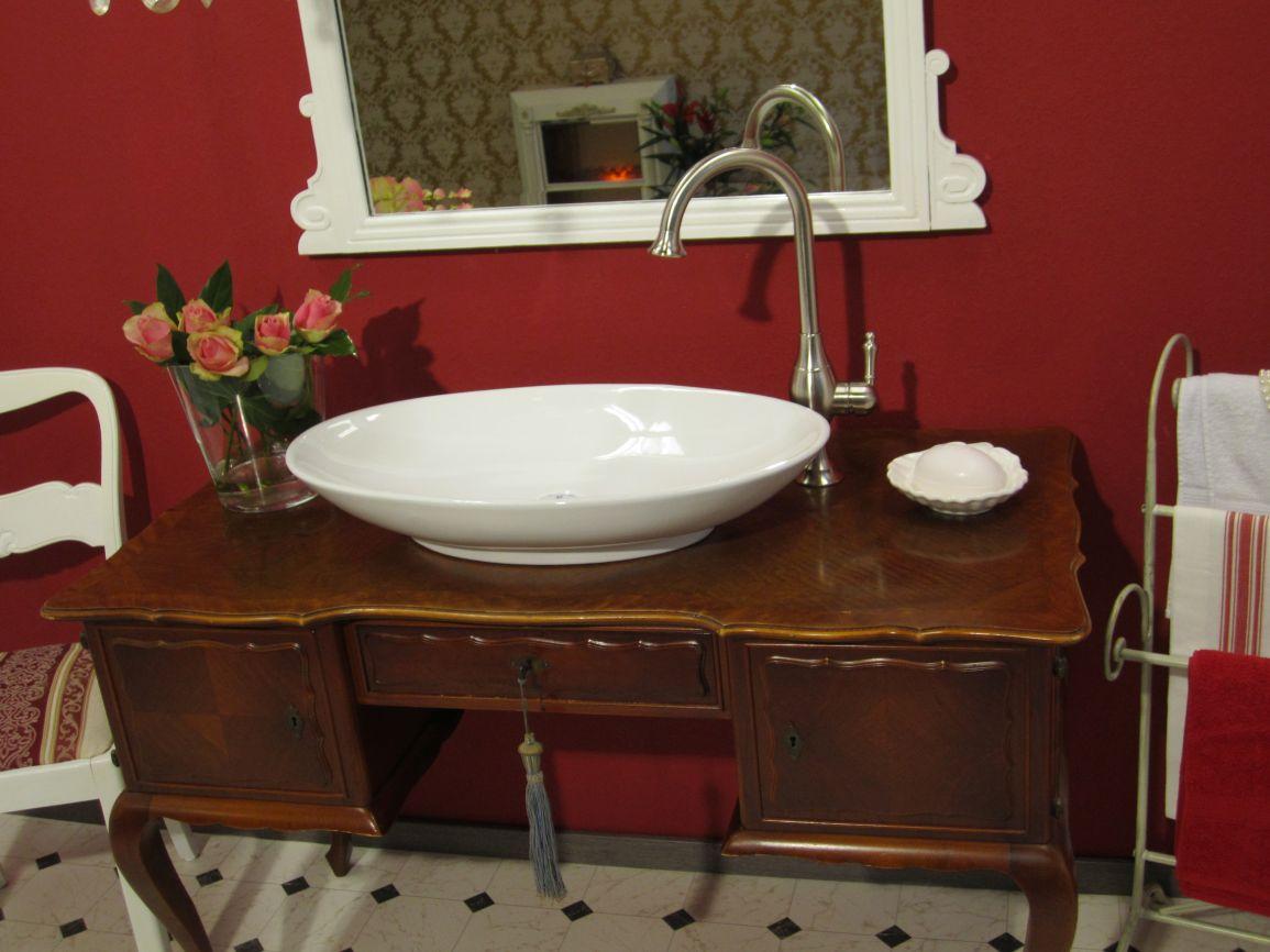 englische waschbecken edler waschtisch antik landhaus f r das bad wasserheimat. Black Bedroom Furniture Sets. Home Design Ideas