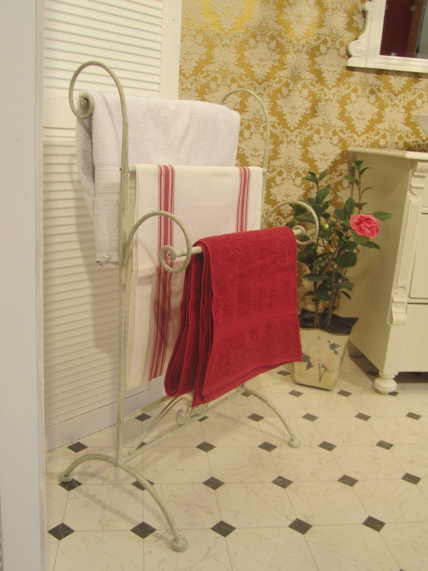 antike landhaus badm bel. Black Bedroom Furniture Sets. Home Design Ideas