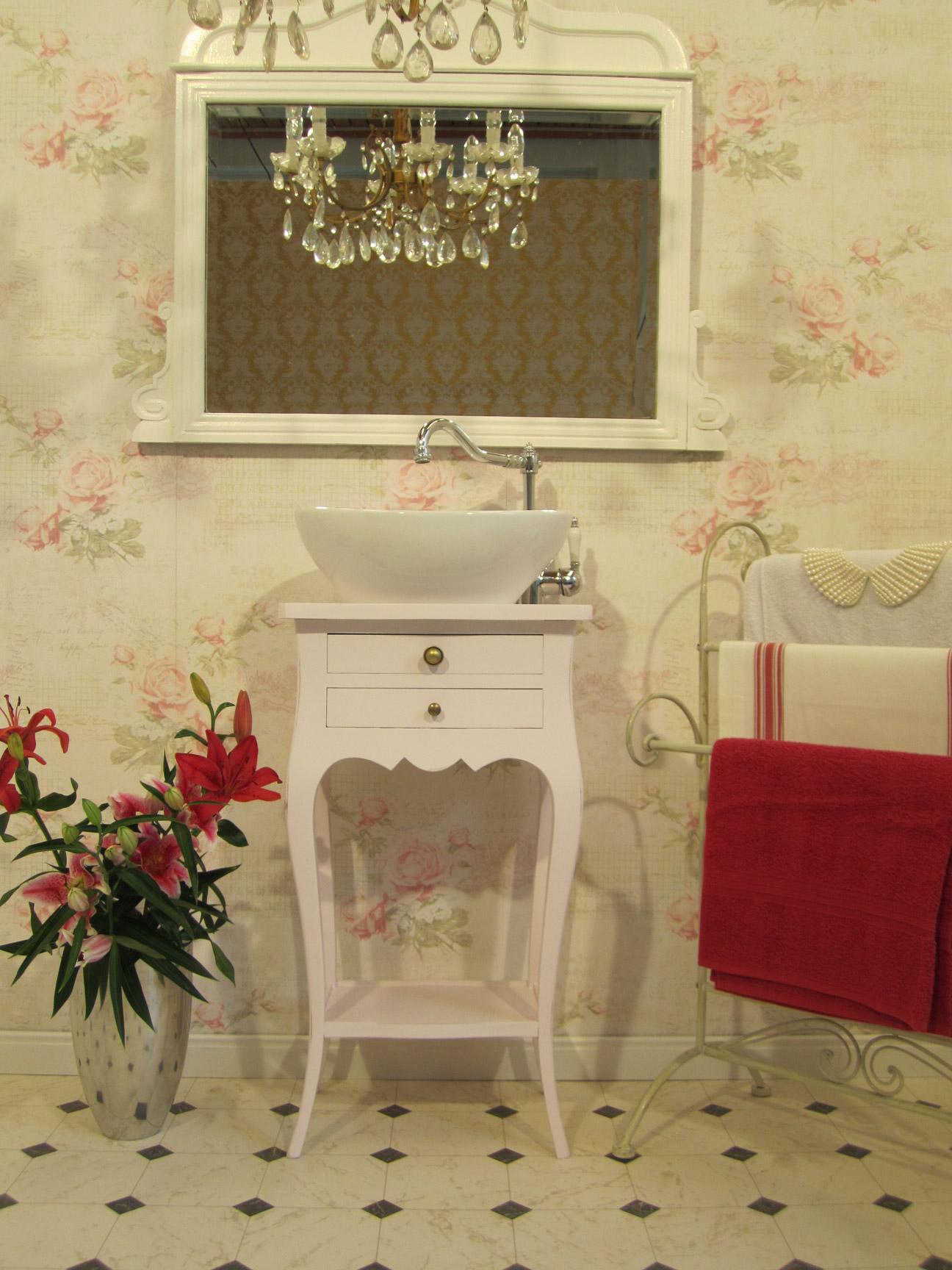 wasserheimat kleiner waschtsich landhaus verzaubert das bad. Black Bedroom Furniture Sets. Home Design Ideas