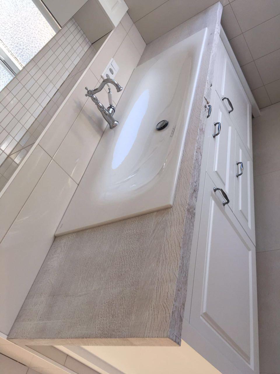 fiora badm bel landhaus wei wasserheimat. Black Bedroom Furniture Sets. Home Design Ideas