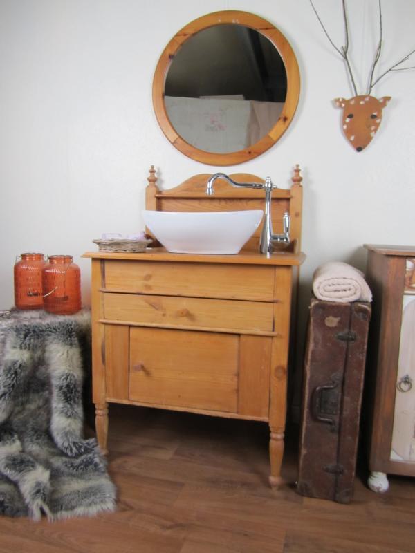 besonderer waschtisch holz wasserheimat. Black Bedroom Furniture Sets. Home Design Ideas