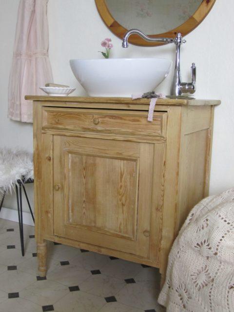 Landhaus Waschtisch antik