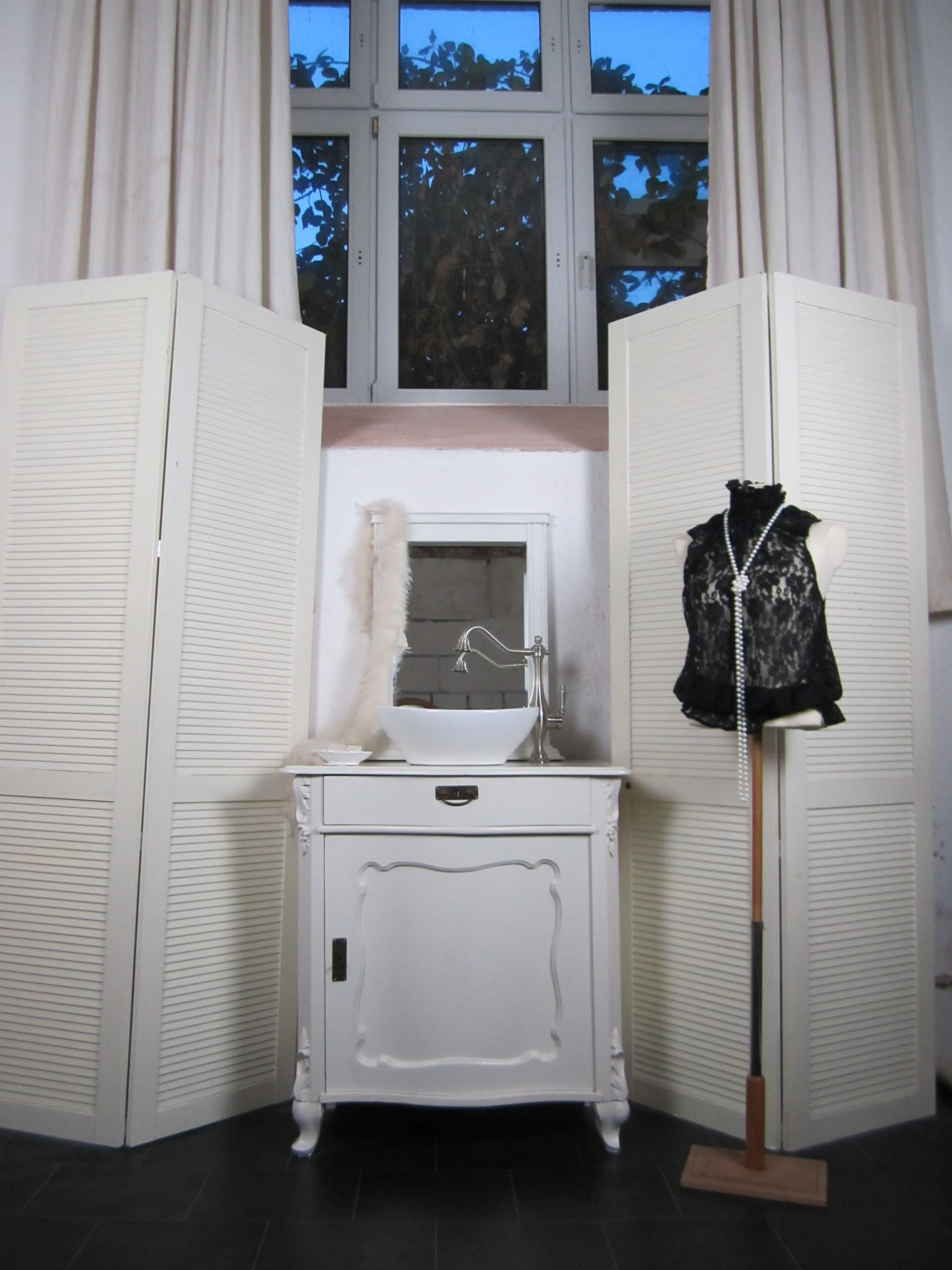 Weisses Badmobel Antik Landhaus Badmobel Wasserheimat
