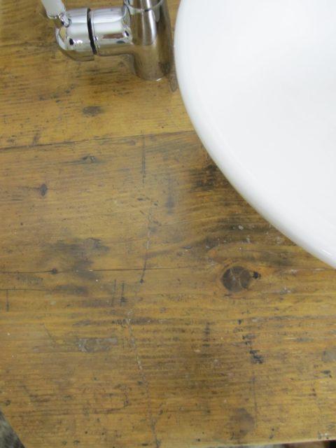 Doppelwaschtisch aus antiker Werkbank. Badmöbel Landhausstil, Doppelwaschtisch antik