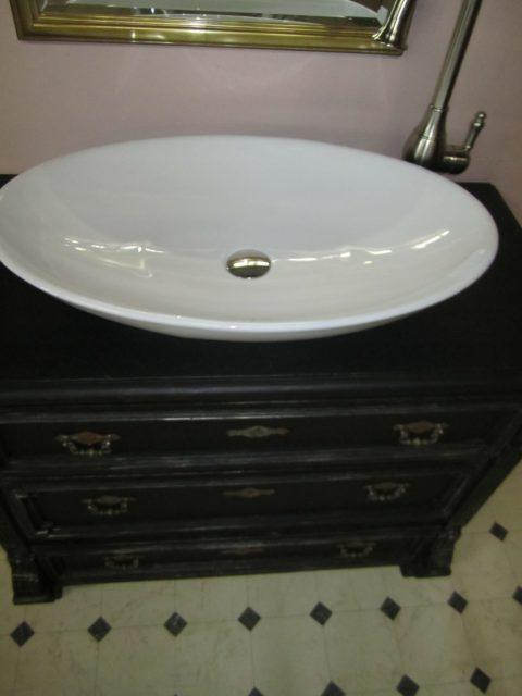 Black-pearl-Badmoebel-antik-schwarz-Landhausstil (12)