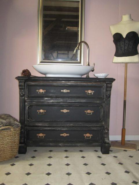 Black-pearl-Badmoebel-antik-schwarz-Landhausstil (5)