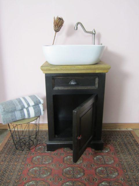 Black velvet - Kleines Badmöbel schwarz