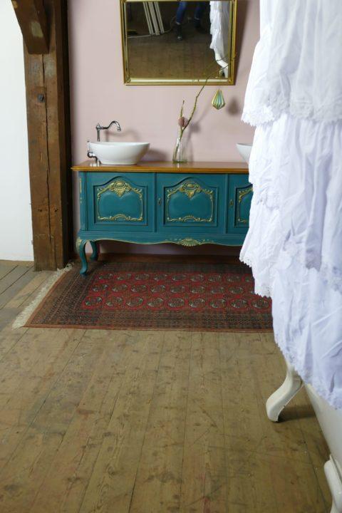 Royal Blue - Badmöbel romantisch im Landhaus Stil