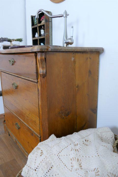 Lavender-Waschkommode-Naturholz-Waschtisch-Badmoebel-verspielt