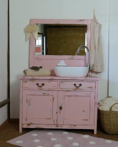Waschkommode-Landhauschic-Rosa-Waschtisch-romantisch-verspielt-Land-und-Liebe
